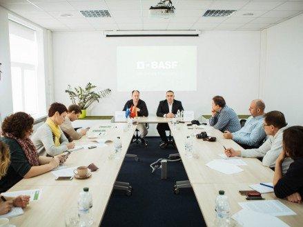 BASF анонсировала возвращение на рынок фунгицида с рострегулирующим действием Карамба®
